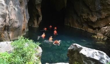 Thung lũng Sinh Tồn - hang Thủy Cung (tour 1 ngày và 2 ngày 1 đêm)